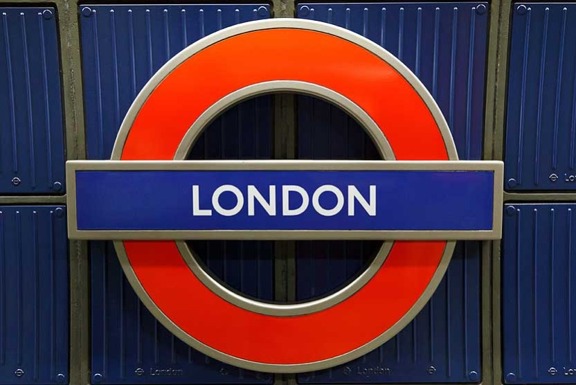 LondonRoundel-e1417519544102